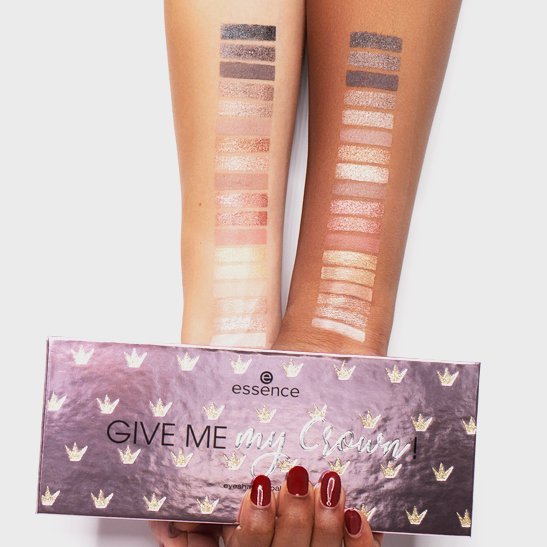 Royal Party Give me my crown! eyeshadow palette Produktbild swatchtogether L