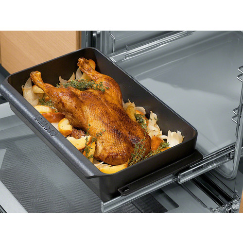 HUB 61-22 Gourmet casserole dish product photo Laydowns Back View L