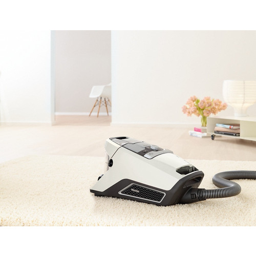 Blizzard CX1 Excellence PowerLine - SKCR3 Bagless cylinder vacuum cleaners product photo View31 L